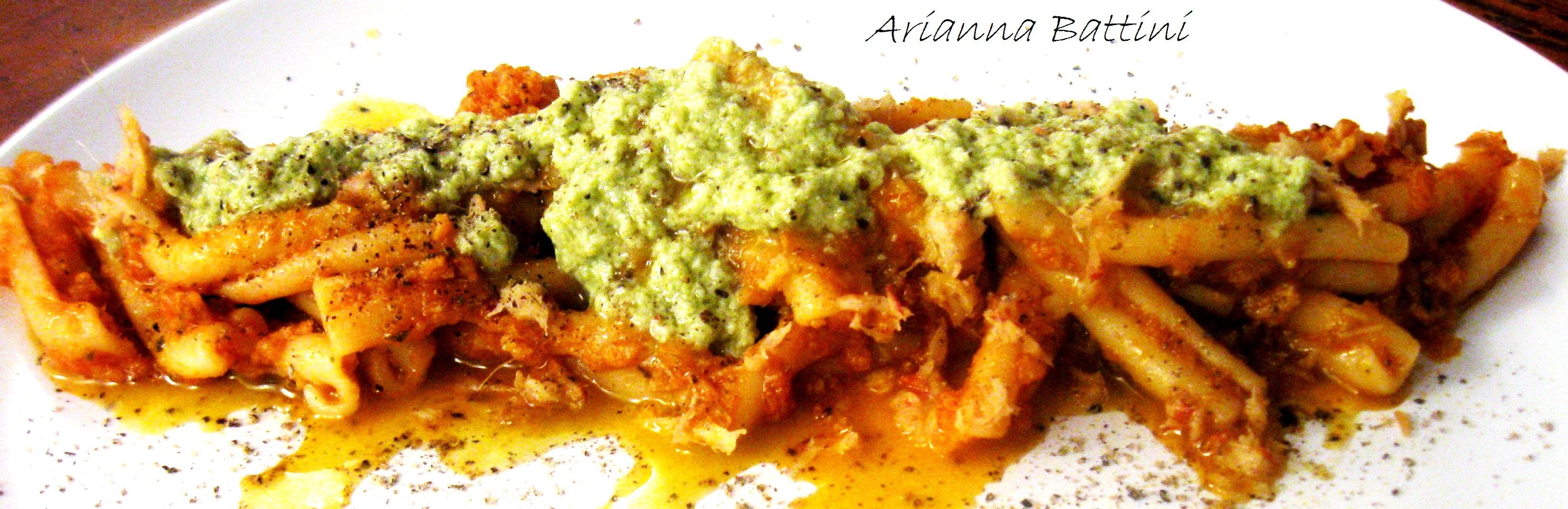 Caserecce di Gragnano con ragù di Trippa e top di Parmigiano e Prezzemolo in crema.