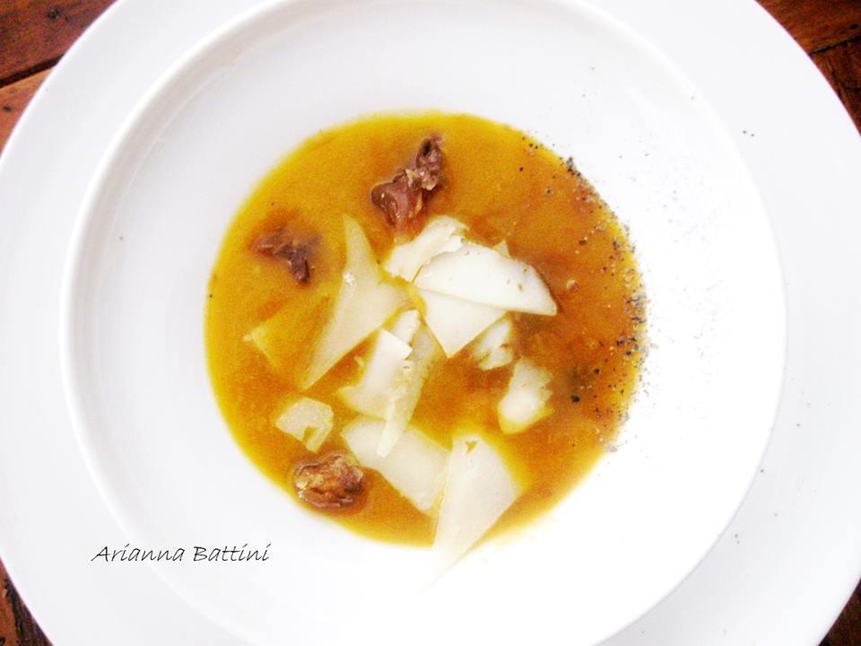 Crema di zucca e patate con castagne e pecorino al tartufo.