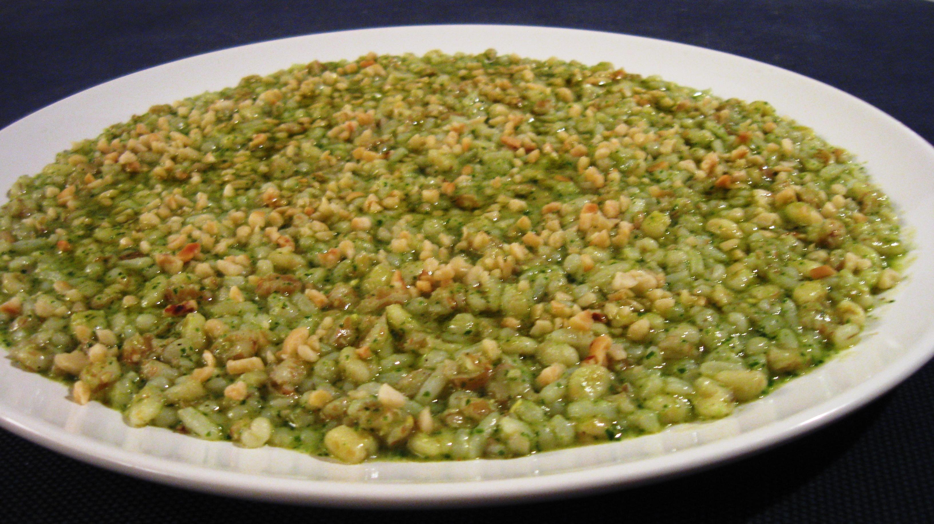 5 Cereali ( Grano-Farro-Orzo-Riso-Avena) al pesto di rucola e granella di mandorle