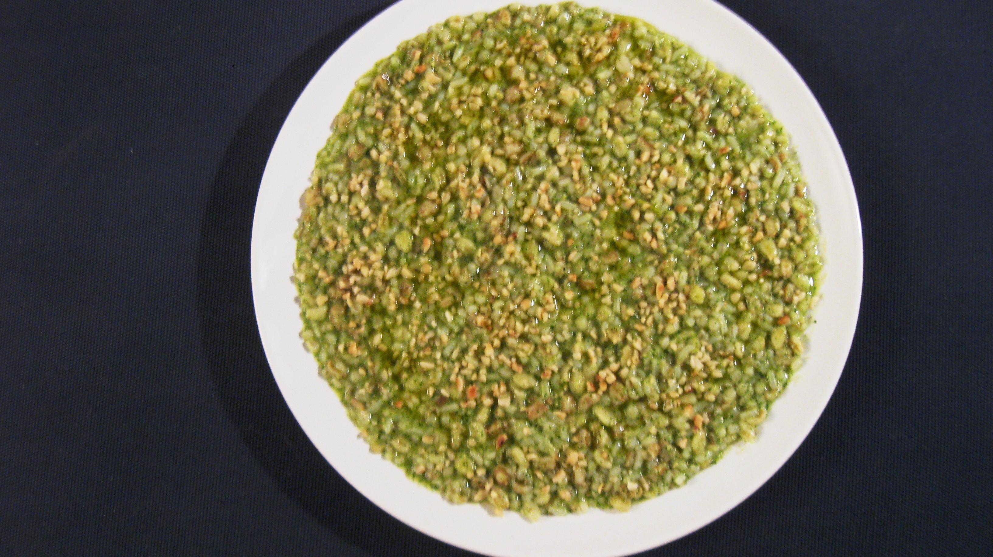 5 Cereali ( Grano-Farro-Orzo-Riso-Avena) al pesto di rucoa e granella di mandorle