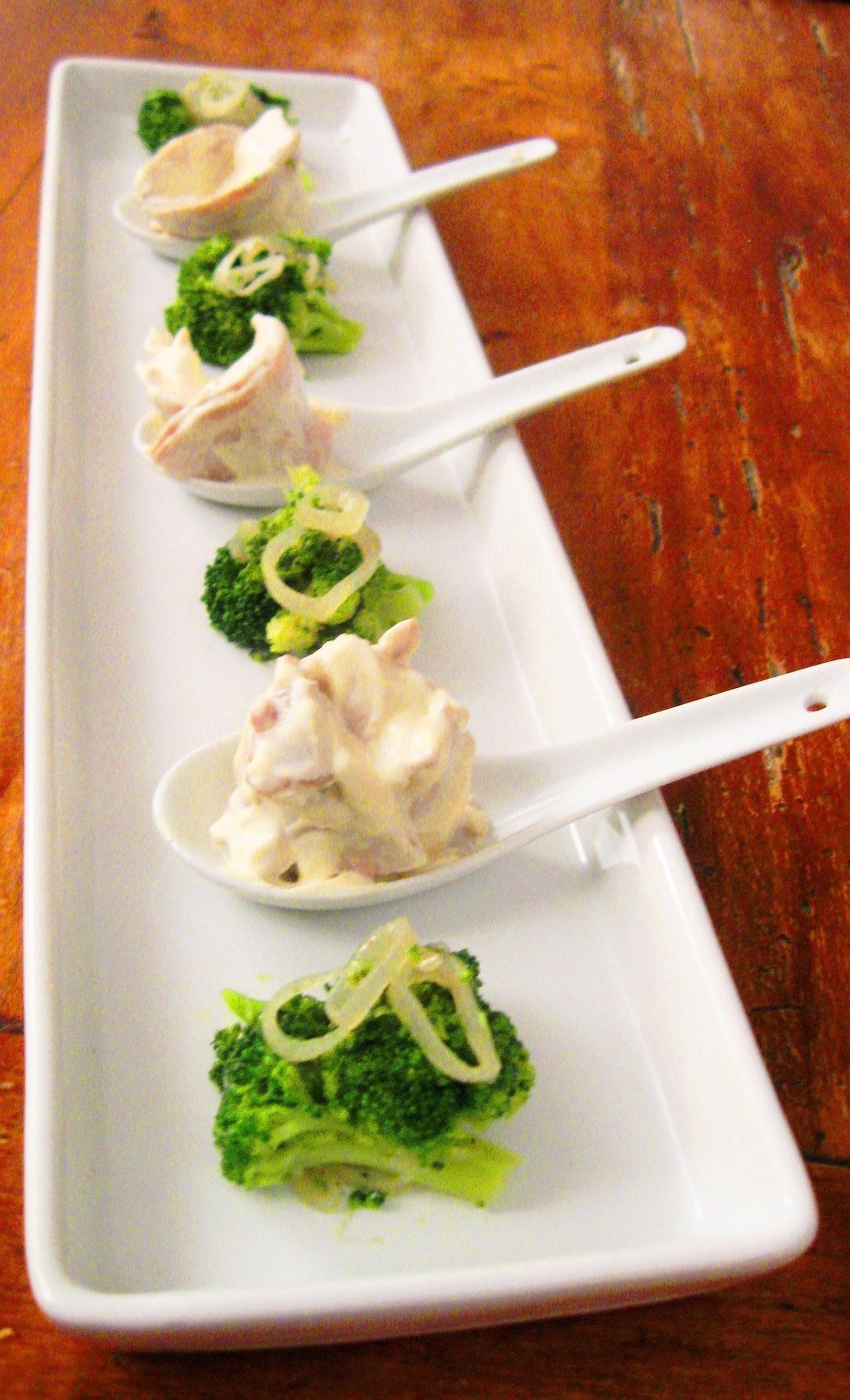 Vitello tonnato e broccoli con cipolline di tropea